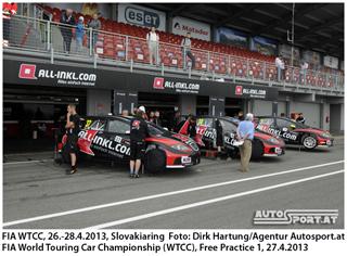 Amtierender Champion Rob Huff gewinnt Rennen auf dem Hungaroring - Foto: Dirk Hartung/Agentur Autosport.at