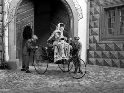 Das Automobil hat Bertha Benz, der Ehefrau des Automobilerfinders Carl Benz, viel zu verdanken. Ihr zu Ehren lädt das Mercedes-Benz Museum zu den Bertha-Benz-Tagen.