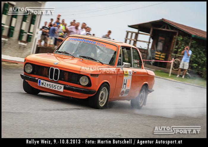 Titelkampf in Leiben: Hier Johann Derler im BMW 2002ti, sein Gegner ist Thomas Nemeth - Foto: Martin Butschell / Agentur Autosport.at