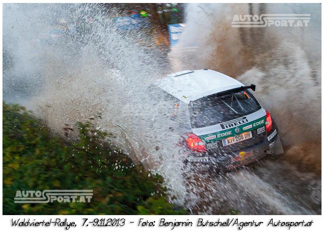 Baumschlager kämpft gegen Kajetanowicz - Foto: Benjamin Butschell / Agentur Autosport.at
