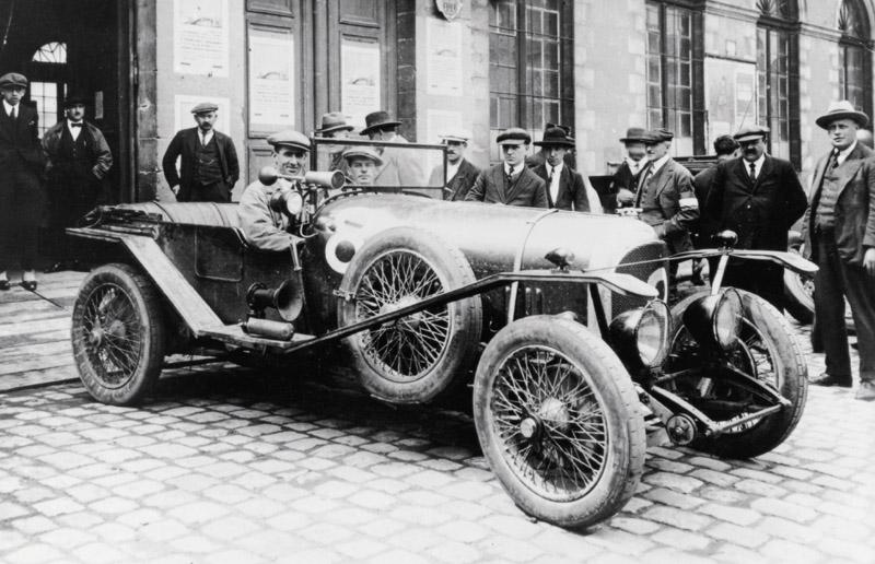 John Duff (at wheel) with Frank Clement - Foto: Bentley Media