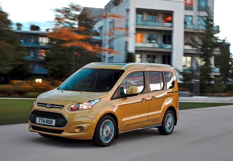 Mit dem ebenso kompakten wie attraktiv gestalteten neuen Tourneo Courier rundet Ford sein Angebot an hochmodernen Tourneo-Bussen nach unten ab - Foto: Ford