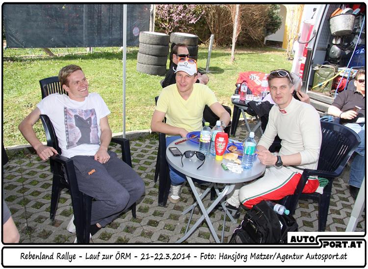 Feierabend für Hermann Neubauer (li.) und Michi Böhm (re.) - Foto: Hansjörg Matzer/Agentur Autosport.at