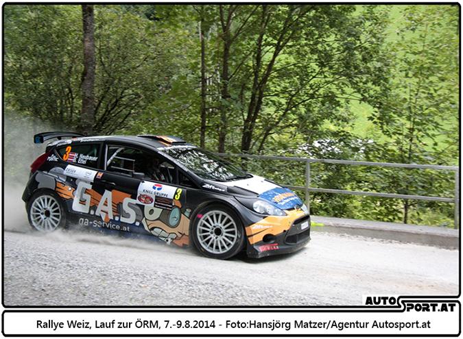 Hermann Neubauer steht kurz vor dem Sieg bei der Rallye Weiz 2014 - Foto: Hansjörg Matzer / Agentur Autosport.at