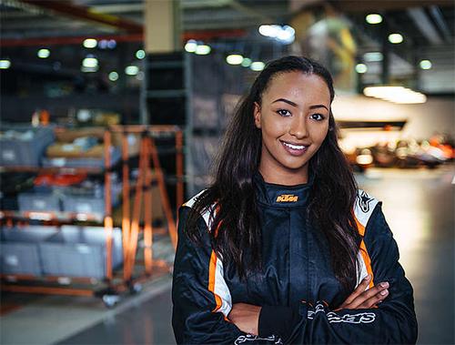 Naomi Schiff: FRAUEN-POWER IM KTM X-BOW GT4 - Foto: KTM
