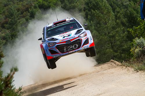Zwei Hyundai i20 WRC in Sardinien auf dem Podium - Foto: Patrik Pangerl/Agentur Autosport.at