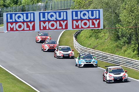 Die TCR bei ihrer Premiere in Österreich Ende Mai 2015 - Foto: Ernst Gruber/Agentur Autosport.at