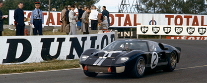 Chris Amon siegt 1966 mit Ford GT40 in Le Mans - Foto: Ford Chip Ganassi Racing