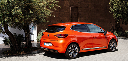 21227126 2019 New Renault CLIO test drive in Portugal